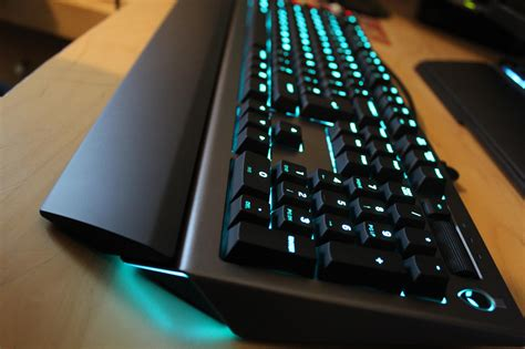 alienware light up keyboard alienware aw768 gaming keyboard review vgu