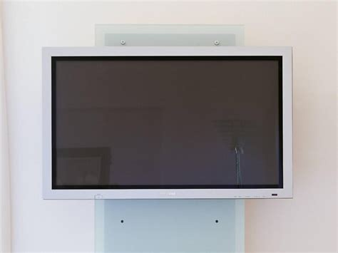 porta televisore a muro porta televisore da muro in cristallo con ripiani william