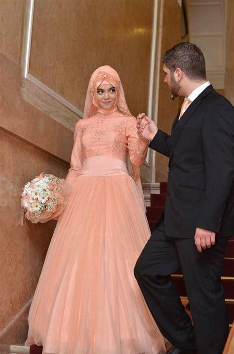 Neckline, Strapless and Backless White Turkish Bridals