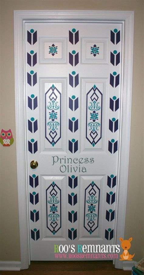 Diy Room Door Decor by Decorating Door Ideas For Design Dazzle