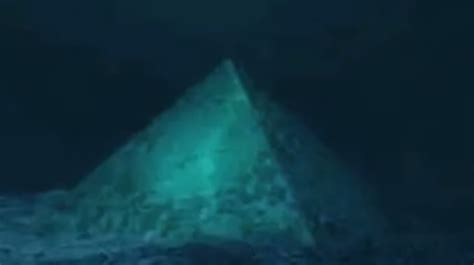 bermuda triangle underwater bermuda triangle large underwater glass pyramids hoax