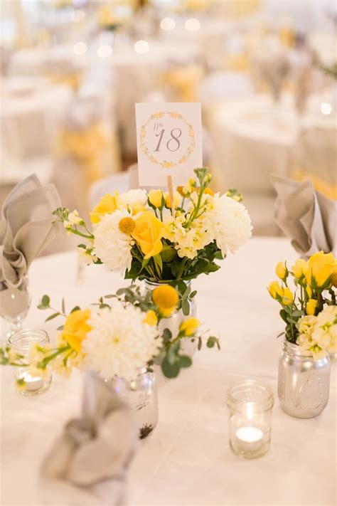 yellow flower arrangements centerpieces best 20 yellow centerpieces ideas on yellow