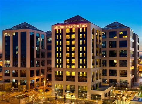 hton inn and suites hoteles en espa 241 a barcelona madrid mallorca