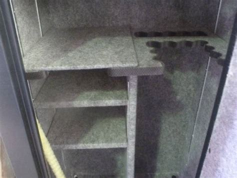resolute combination gun safe 14 place plus shelves felt