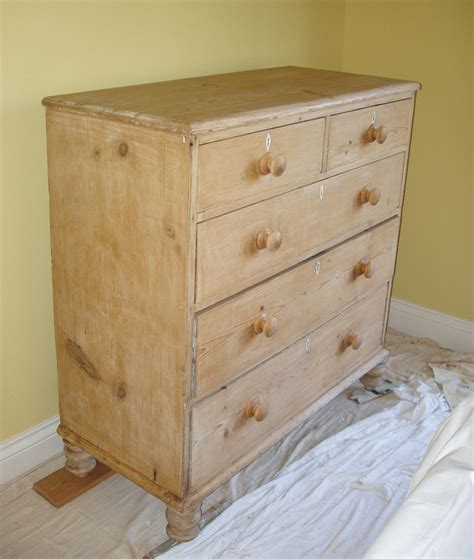 Distressed Bedroom Furniture by Distressed Painted Bedroom Furniture