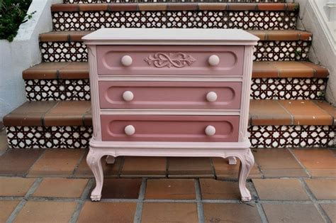 chalk paint sobre mueble lacado las 25 mejores ideas sobre muebles pintados en y