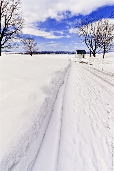 171 sur le chemin tout blanc de neige grise 187 sur un