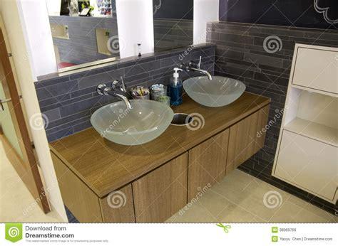 lavandini bagno moderni lavandini moderni bagno fotografia stock immagine