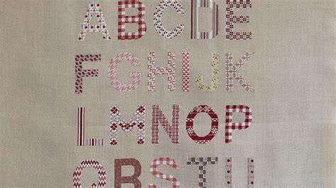 Modèles De Lettre à Broder Grandes Lettres 224 Broder Au Point De Croix