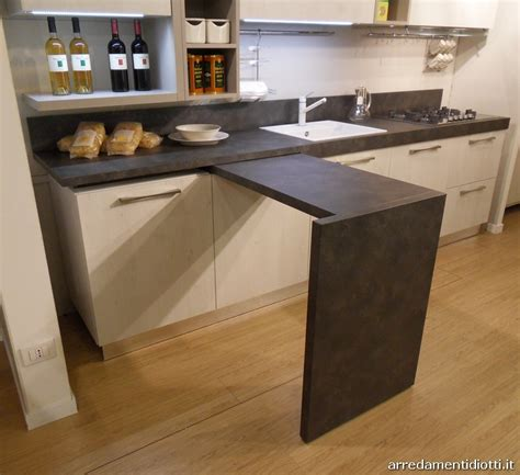 cucine con tavolo incorporato cappe aspiranti moderne