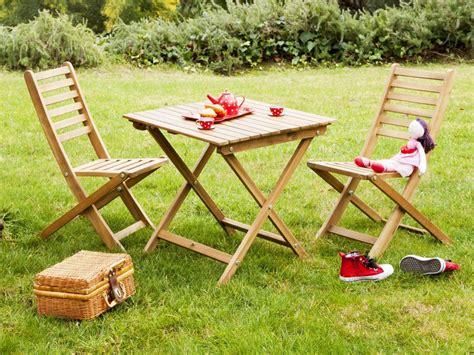 table et chaise de jardin enfant salon de jardin pour enfants du mobilier comme les