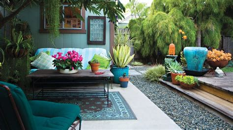 Garden Ideas And Outdoor Living Magazine Chic Backyard On A Shoestring Sunset Magazine Sunset