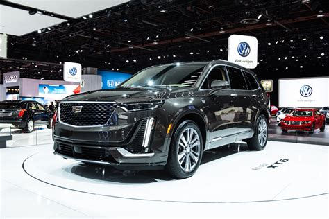 2020 Cadillac Escalade Premium Luxury by 2020 Cadillac Xt6 Debuts With Three Rows Bold Styling