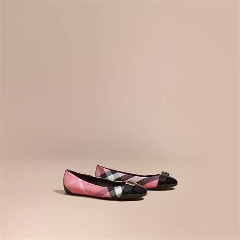Ac 8490 Rosegold Pink Leather 1 buckle detail house check and patent leather ballerinas in pink burberry