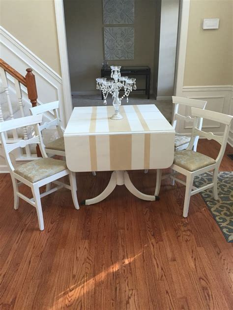 Duncan Phyfe table makeover.   Duncan Phyfe style table
