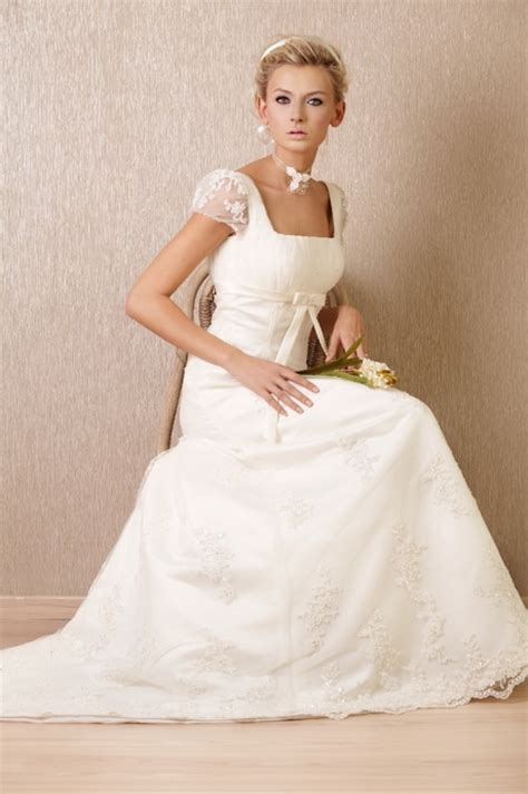 Brautkleider Dirndl by Trachten Brautkleider