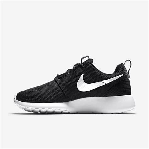 black nike tennis shoes womens plain black nike tennis shoes for