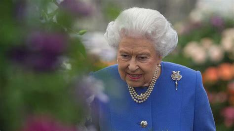queen elizabeth hairstyles at the age of 91 the queen has picked up one of our