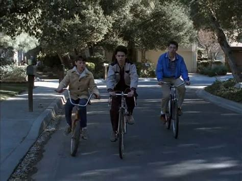 freaks and geeks ep 1 12 the garage door puts neal and