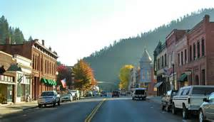 small towns in america with small populations 50 best small town downtowns in america