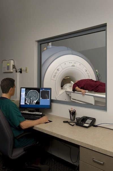 risonanza magnetica con contrasto alla testa risonanza magnetica aperta con contrasto come funziona