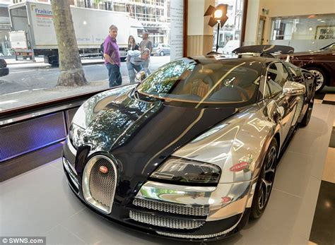 bugatti veyron gets 163 3 000 paint that uses microscope to spot imperfections daily mail