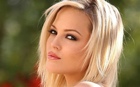 girls hot beautiful sexy and charming porn star alexis texas
