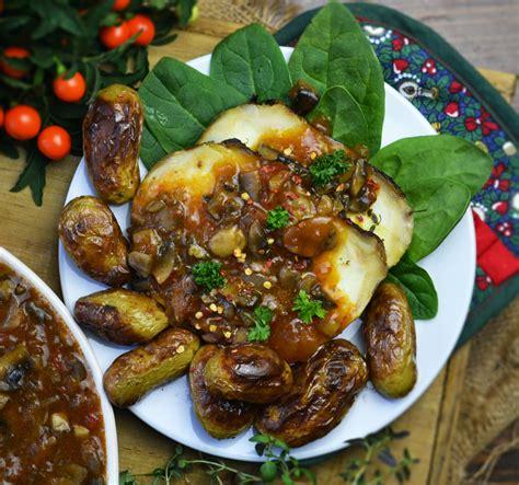 salsa di sedano rapa arrosto di sedano rapa con salsa ai funghi ricette vegane