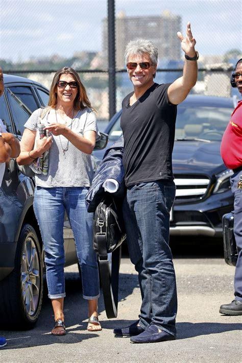 Bon Jovi 53 bon jovi con 53 a 241 os sorprende a todos con su nuevo look