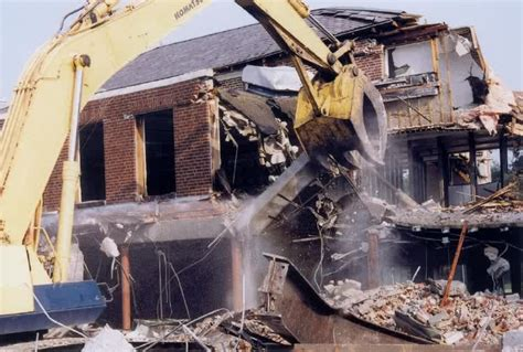 Demolishing A House by Building Demolition Company In Lagos Call Us Today
