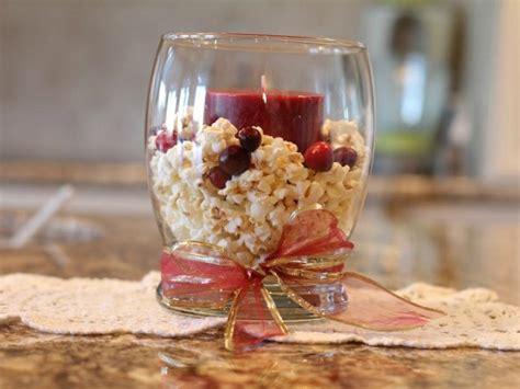 como decorar vasos de cristal para navidad 5 formas de decorar con candelabros tu mesa en navidad