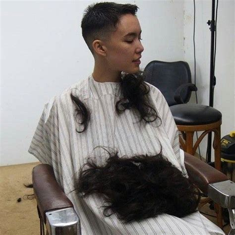 female in barber chair getting buzzcut 207 best beim friseur images on pinterest hair cut