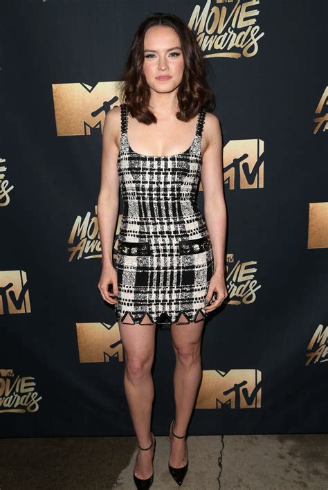 Mtv Awards Tight Trend by 2016 Mtv Awards Carpet Every Look From The Mtv