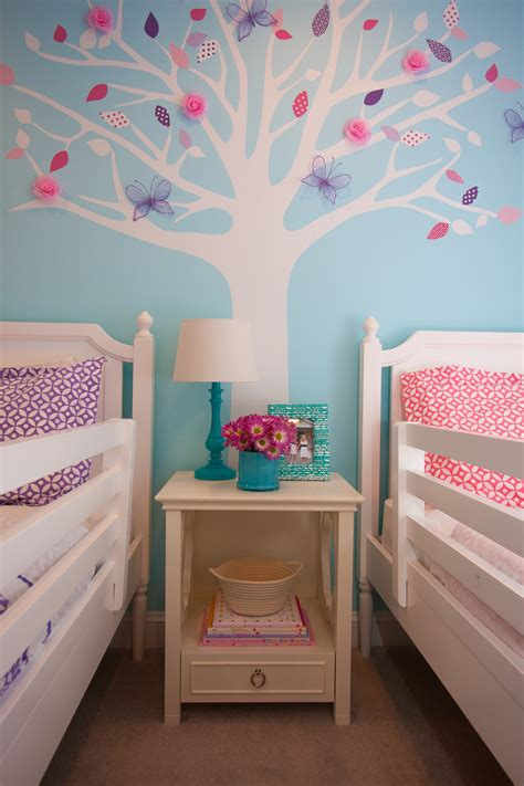 seasons change chloe tessas big girl room project