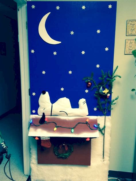door christmas decoration contest 24 door decorations ideas for most amazing home 24 spaces