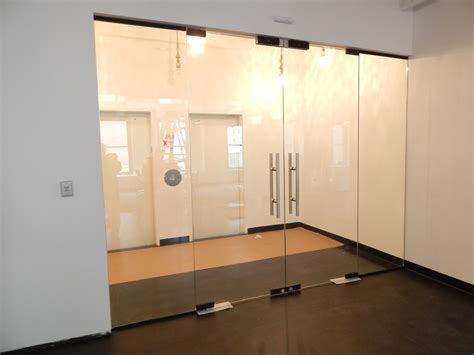 Glass Door Repair Nyc Glass Storfronts Windows Installation And Replacement Ny 718 314 7501 Glass Island