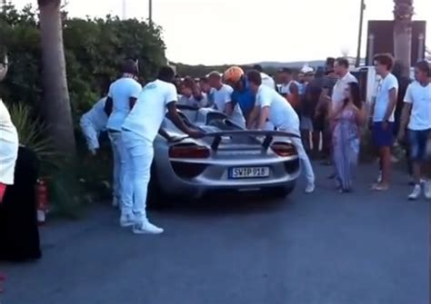 porsche 918 crash porsche 918 spyder crash in france the news wheel