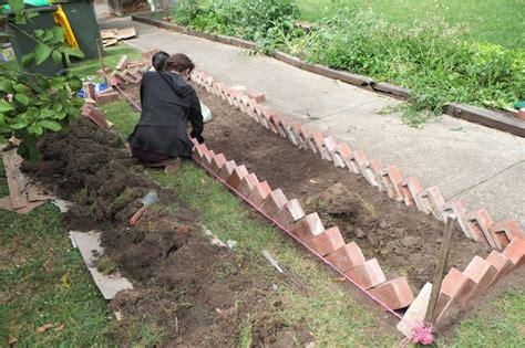 Gardener S Supply Company Lawn Edging 10 Solid Garden Edging Ideas With Bricks Garden Club