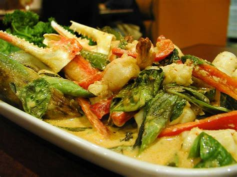 green cuisine seafood curry recipe dishmaps