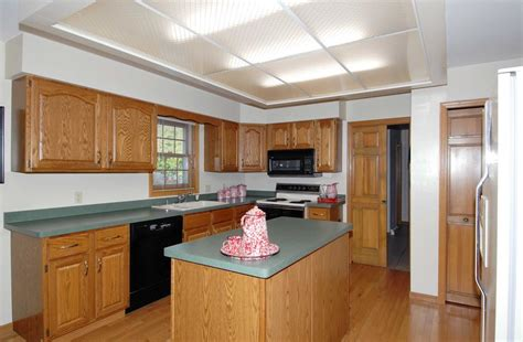 kitchen cabinet installation without soffits kitchen