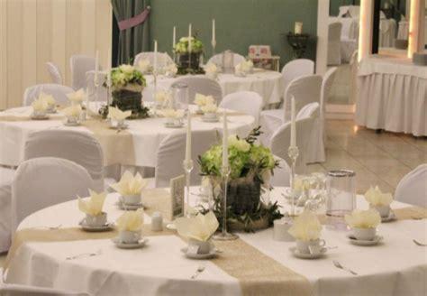 Tischdeko Hochzeit Beige by Tischdekoration In Gr 252 N Wei 223 Creme Beige Und Gold