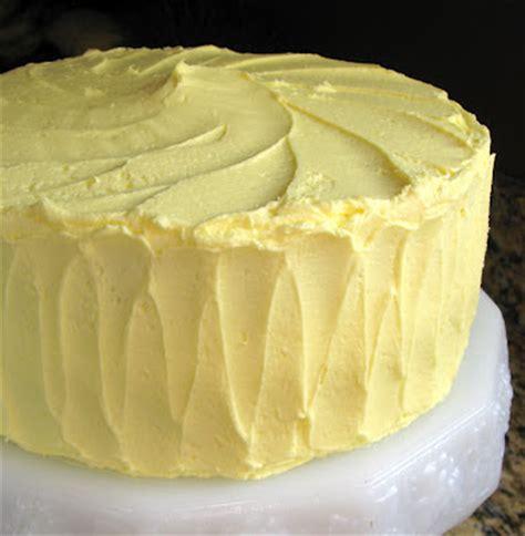 bake  flunkie high altitude yellow cake  lemon buttercream