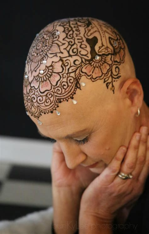 henna tattoo cancer crowns of courage uses henna tattoos to help cancer