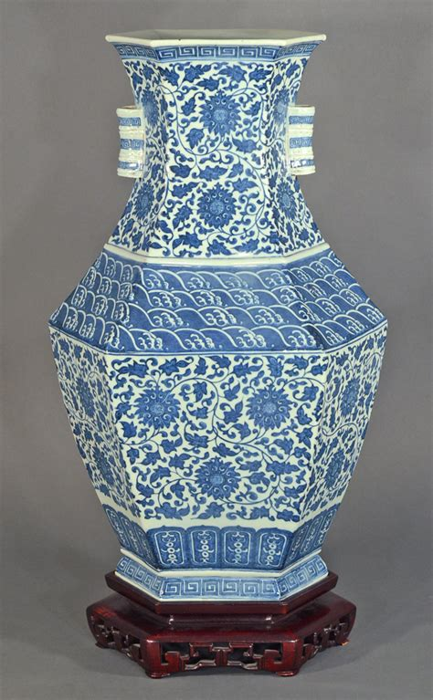 Ming Vase Designs by Igavel Auctions Blue And White Ming Style