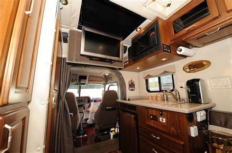 luxury trucks inside 49 best luxury behind the cab images on pinterest semi