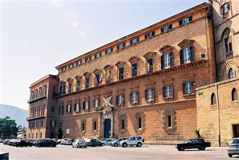 regione sicilia sede regione sicilia deputati sfiniti si addormentano in aula