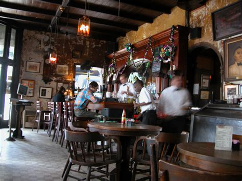 napoleon house new orleans file napoleon house bar new orleans jan 2005 jpg wikimedia commons