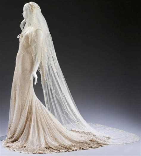 Dress Mesya Biru sparkling occasions and albert museum