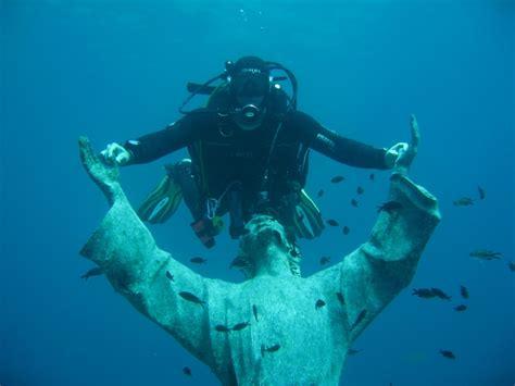 dive italia scuba diving il cristo degli abissi san fruttuoso bay