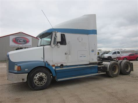 1995 Volvo White Gmc Wah64 Conventional Sleeper Truck